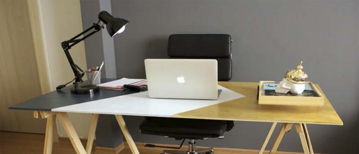 Mesa feita com cavalete