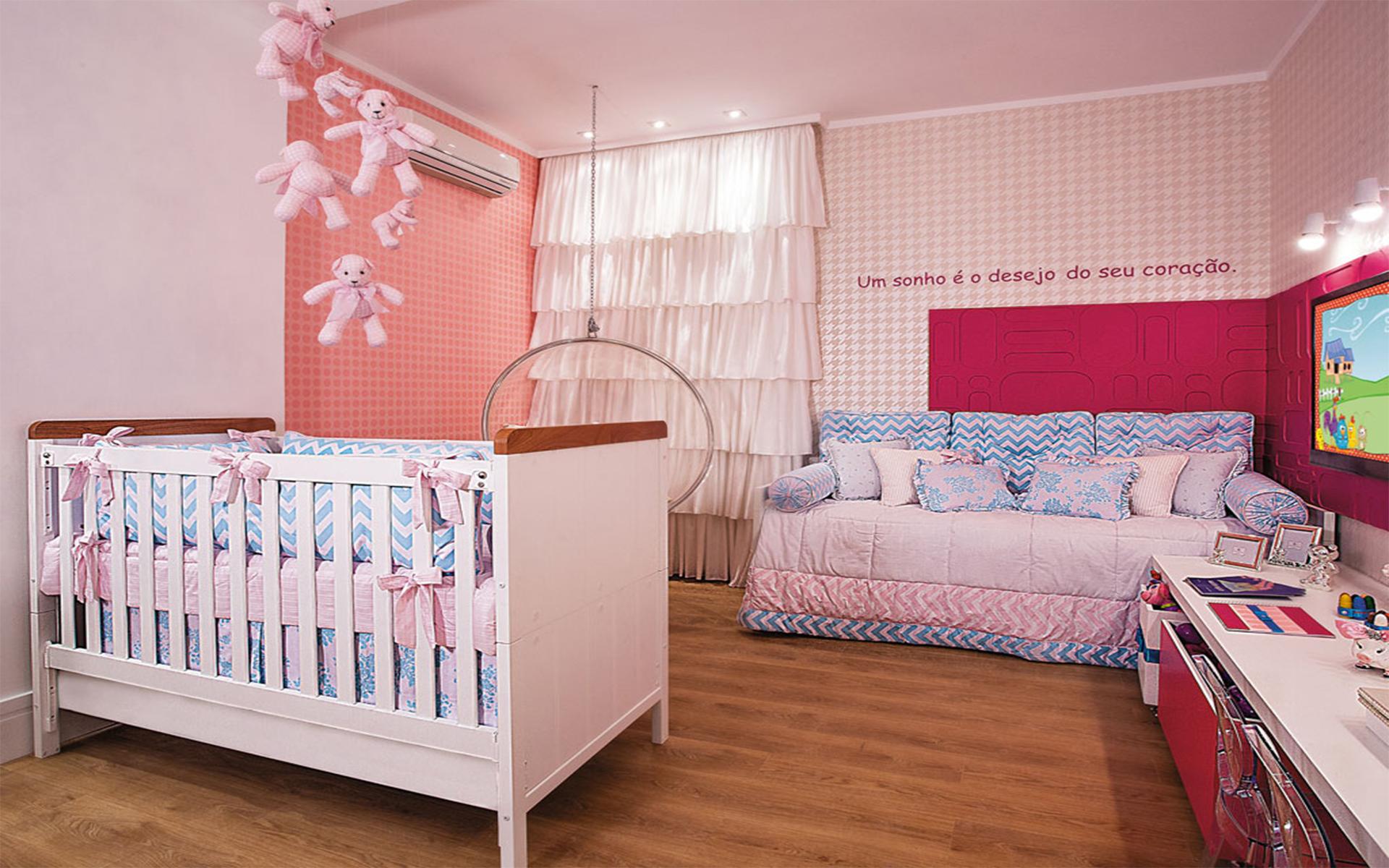 Quarto infantil feminino rosa e azul