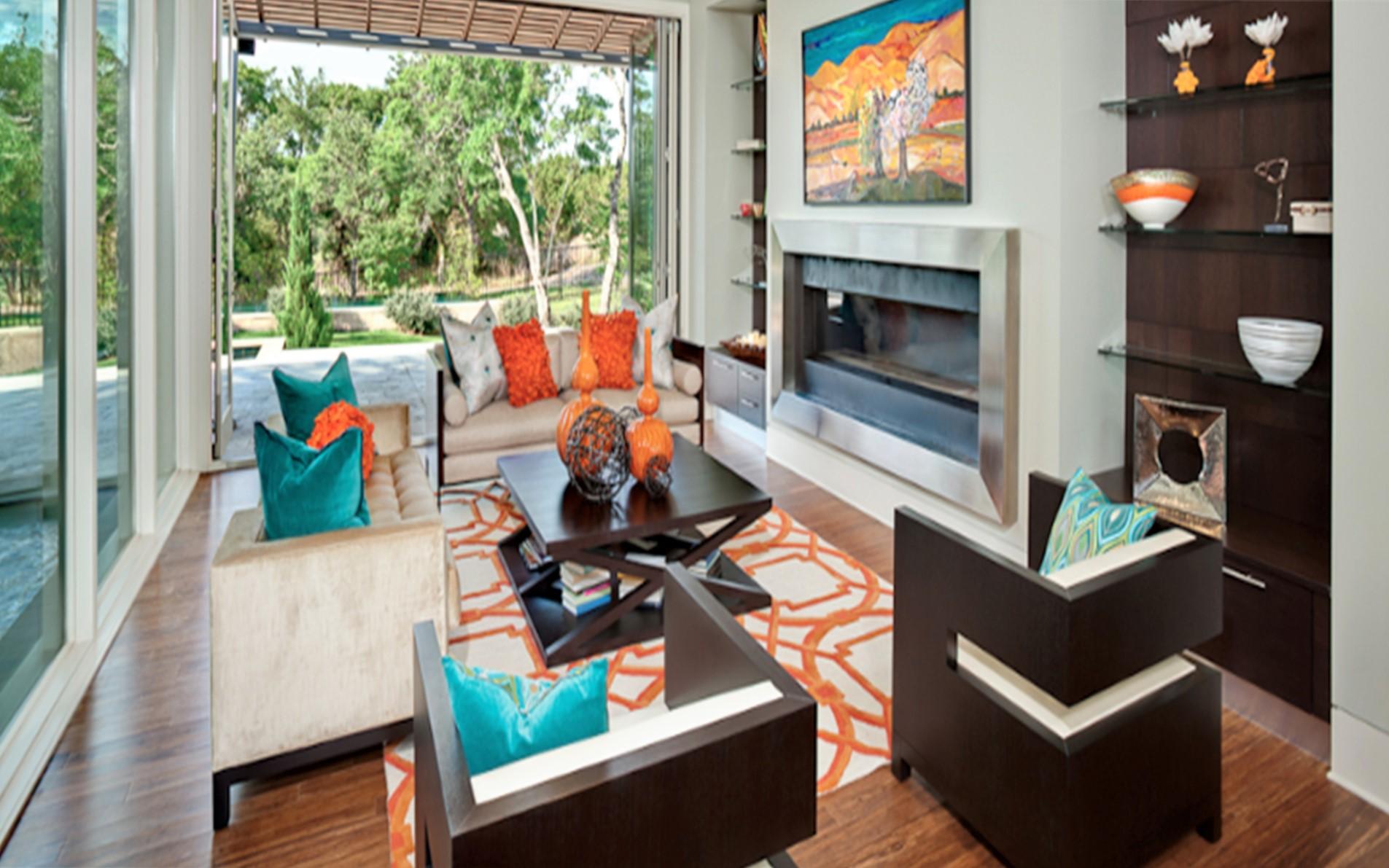 Azul e laranja na decoração