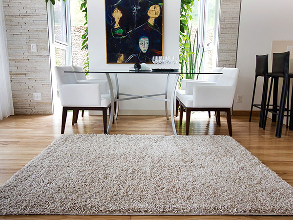 Luminária pendente Spirit Combine - tapete na sala - como fazer uma decoração elegante