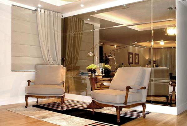 Luminária pendente Spirit Combine - sala decorada com espelhos - como fazer uma decoração elegante